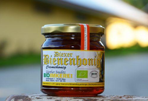 Bio-Honig der Familie Sneditz