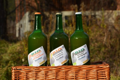 Bio-Apfelsaft aus Permakultur