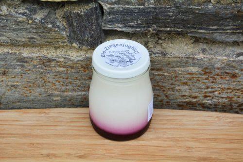 Bio-Fruchtjoghurt aus Ziegenmilch