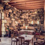 Wunderschönes Ambiente: das Weingut Karnburg Foto: Elias Jerusalem
