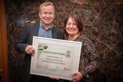 Mag. Berndt Triebl, Obmann des Energieforum Kärnten mit Claudia Hölbling von Gaumenfest.at