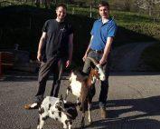 Die Brüder Johannes und Thomas Tschuitz mit Tauernschecken-Ziegen
